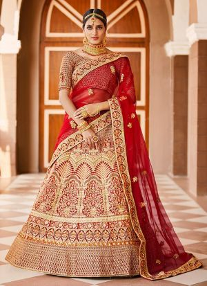 Engrossing Bridal Wear Lehenga Choli