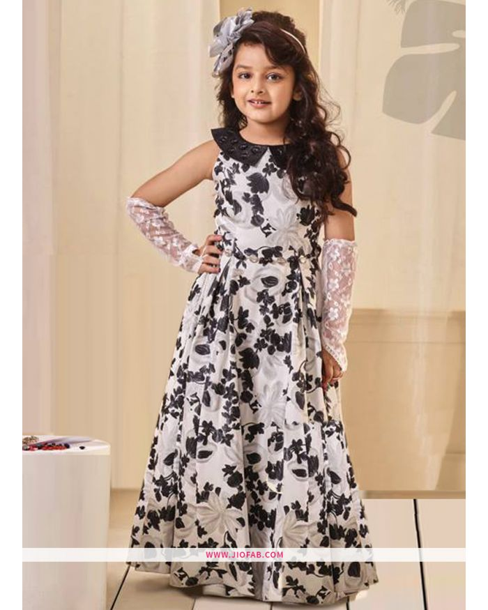 29a685bc24219 Kids Wear - Buy Kids Wear Clothes & Dresses Online for Girls On Jiofab