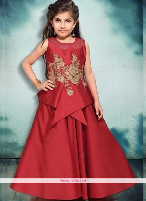 Kids Wear Princess Style Gown In Maroon Color